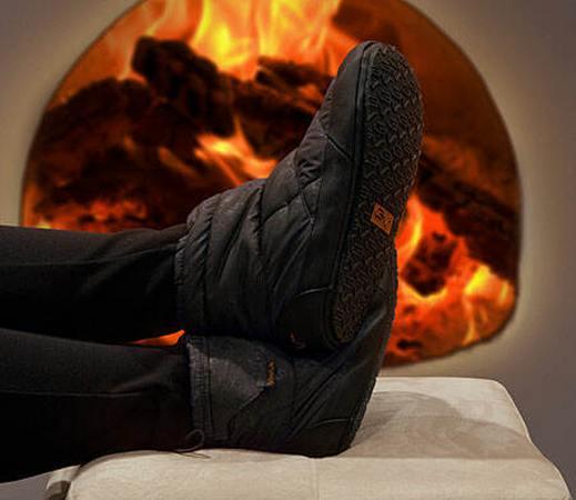 Battery-Heated-Outdoor-Indoor-Slippers[1]